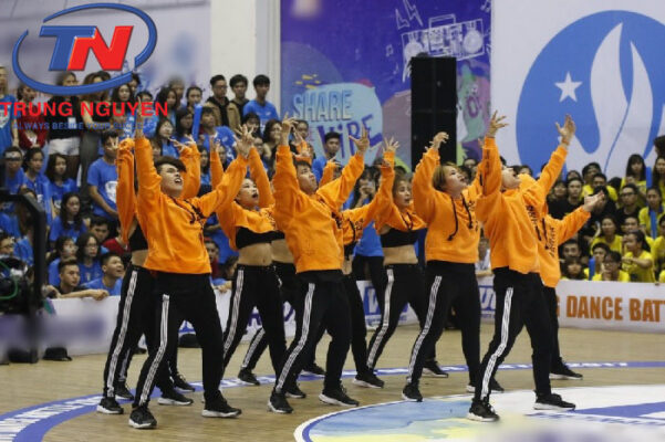 Áo nhóm múa năng động, cá tính