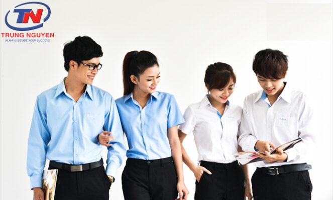 Quần áo đồng phục học sinh bị phai màu